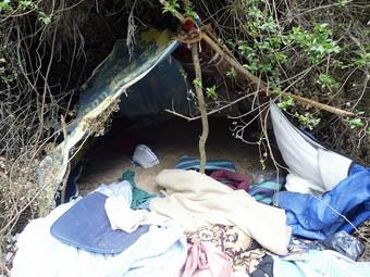 Els acusats s'ocultaven en una espècie de campament fet per ells a Maspujols.  J. FERNÁNDEZ