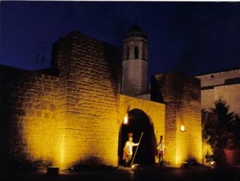 El primer escenari del pessebre dels Prats de Rei són les muralles.