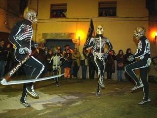 La Dansa de la Mort és una tradició que es conserva des de l'època medieval. LL. SERRAT