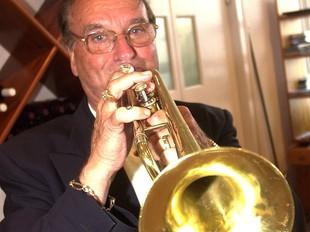 Rudy Ventura amb la seva inseparable trompeta  LLUÍS SERRAT