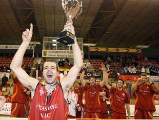 La copa LEB Plata 2006, una de les grans fites del Vic.  EL 9