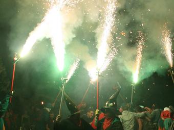 Una actuació de Diables i Bruixes del Riberal. /  AIRE NOU