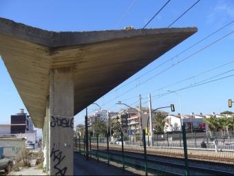 La futura estació s'ubicarà on actualment hi ha l'estructura aixecada durant el franquisme. G.A