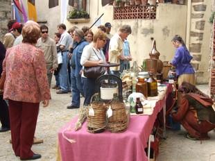 Les parades i firaires del mercat jueu són acuradament seleccionats.  PDF