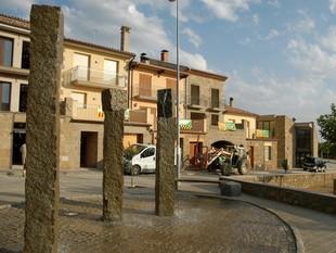 Imatge de la plaça de Tiurana dies abans de la inauguració d'aquest municipi, el setembre del 2007.  RITA LAMSDORFF