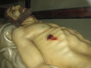 La Confraria del Sant Enterrament també recupera el protocol de la bandera de la Sang.