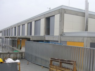 La nova escola, en obres, en una imatge recent. /  G.A