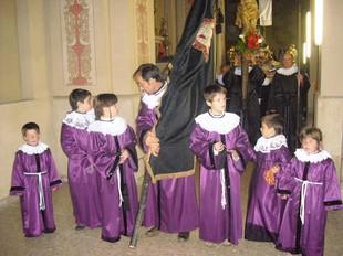 En la processó s'estrenaven els vestits i els tabernacles.  X. LOZANO