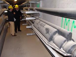 La galeria per on passa la línia de 400 kV soterrada, a l'aeroport de Barajas a Madrid.  O.M