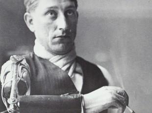 L'obrer del braç ortopèdic de Brangulí.  ANC