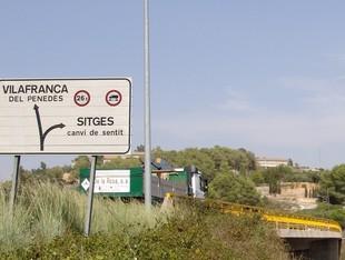 Pont de la C-15 al seu pas per Canyelles, en direcció a Vilafranca.  C.M