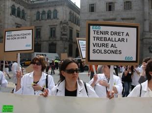 Treballadores d'EGO durant la manifestació a Barcelona.