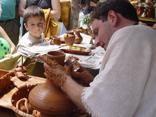 A la fira s'hi podrà veure també l'elaboració de productes d'artesania.  LLUÍS MARTINEZ