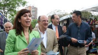 Els candidats del PP, al mercat de Lloreda de Badalona.