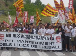 La majoria dels veïns de Flix van introduir al sobre l'adhesiu de les manifestacions.  L.M