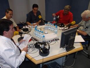 D'esquerra a dreta, Pinós, Llorente, Requena, Quer i Vila, ahir a Catalunya Ràdio.  O.M