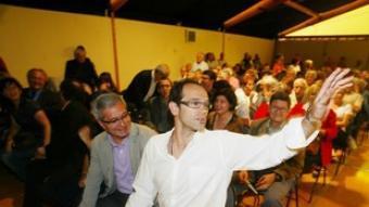 Romeva, ahir, acompanyat per unes 250 persones a la vela de l'Auditori.  ANDREU PUIG
