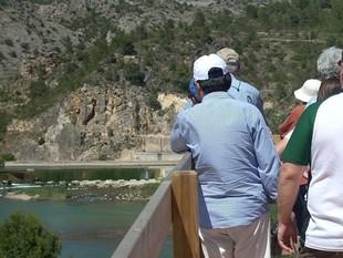 Els experts van visitar l'assut de Xerta, on naixen els canals de reg. Aquests canals poden ser una eina important de transport de sediments.  EL PUNT