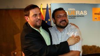 Junqueras i el líder d'ERPV Agustí Cerdà, a Gandia.  EL PUNT