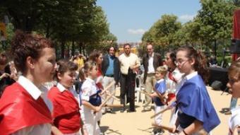 Junqueras, en un ball de bastons a la Ciutadella.  ACN