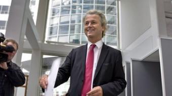 El líder del partit antimusulmà i d'extrema dreta PVV, Geert Wilders, votant. EFE