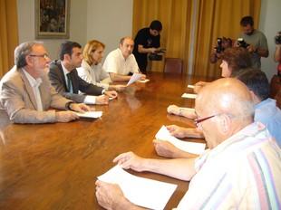 Els alcaldes es van reunir a l'ajuntament de Figueres. mar vicente