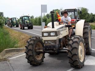 Imatge de la tractorada que van fer els pagesos al juny contra el pla dels Aiguamolls.  ACN