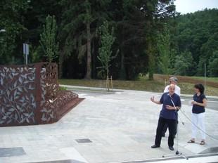 L'escultura de Domene al principi de la nova avinguda.