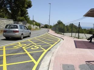 La carretera de Ribes al seu pas per Sitges./  EL PUNT