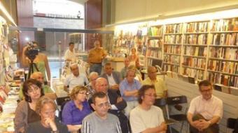 Imatge del públic assistent a la presentació de la nova novel·la d'Hilari de Cara.  S.M