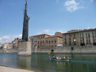 El pas de la Flama ahir, per Tortosa. GUSTAU MORENO
