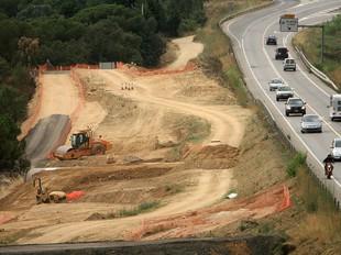 Les obres de desdoblament de la C-31 entre Castell d'Aro i Palamós, ahir.  MANEL LLADÓ