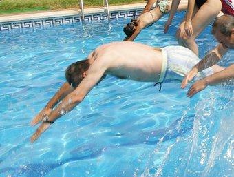 Les piscines es van omplir.  EL PUNT