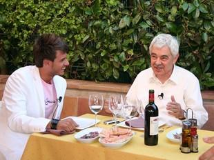 El presentador Christian Busquets amb Pasqual Maragall a Foixà i VULCANO