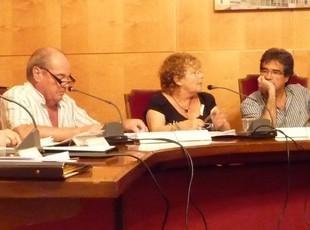 Bertrán (CiU) interpel·la l'alcalde Ràmia (PSC), dijous.  J.N