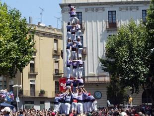 Tres de nou amb folre de la Jove de Tarragona a Mataró.  ANDREU PUIG