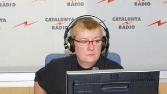 Neus Bonet, a la dreta, durant la primera emissió d'«El matí de Catalunya Ràdio», l'última temporada.