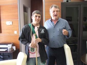 L'alcalde, a l'esquerra d'Òscar Martínez el 3 d'agost passat. /  CEDIDA