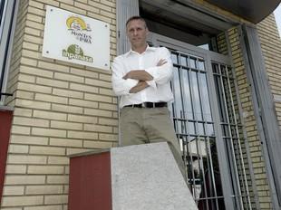 Francesc Montes, a l'entrada de l'empresa, fa dues setmanes.  E.PICAS