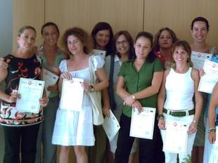 Part de les professionals participants el dia de recollida de diplomes d'aprofitament. /  CEDIDA