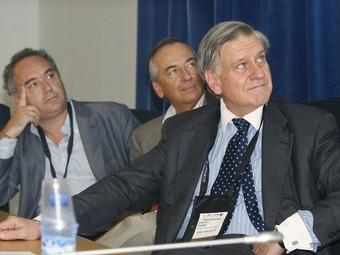 Adrià, a l'esquerra, i Fuster, a la dreta, en un moment de la conferència d'ahir.  EFE