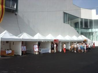 Foto d'arxiu de la fira d'entitats de les Roquetes, a la Vinya d'en Petaca.  EL PUNT