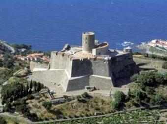 El fort de Sant Elm, entre Cotlliure i Portvendres.