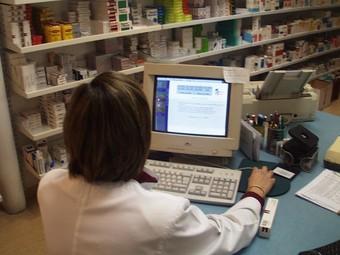 Lectura del xip dels medicaments biològics per sistemes informàtics. /  ARXIU