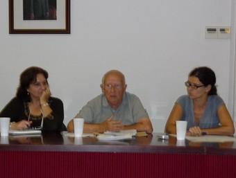 Part de la coordinadora del Centre d'Estudis, presidida per Paco Díaz. /  ESCORCOLL