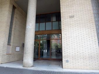 La dona va aparèixer morta dins d'una maleta davant d'un edifici de la Gran Via de Barcelona.  QUIM PUIG