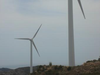 Aerogeneradors en un parc eòlic a El Perelló.  ALBA PORTA