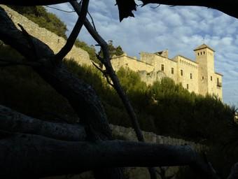 Una imatge del castell de Tamarit al Tarragonès que Spanair ha situat a la Costa Brava.  A.S