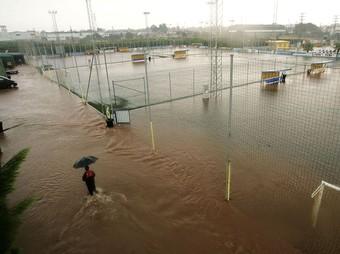Instal·lacions de la ciutat esportiva del Vila-real inundades. /  EL PUNT