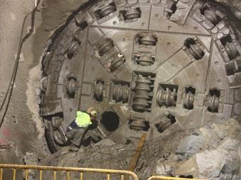La tuneladora Núria va arribar ahir a la galeria de serveis de Sarrià-Sant gervasi. ACN